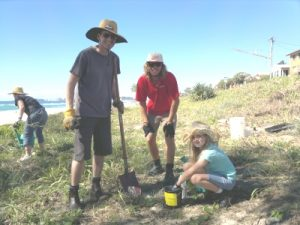 Greening events & dunes, Joel educates family on dune care